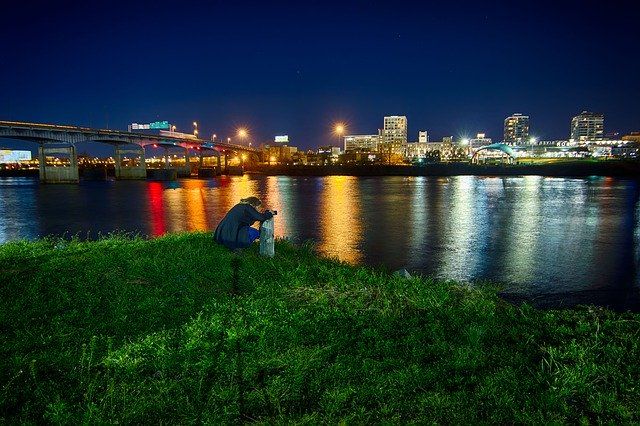 Template Photo River Night Cityscape for OffiDocs